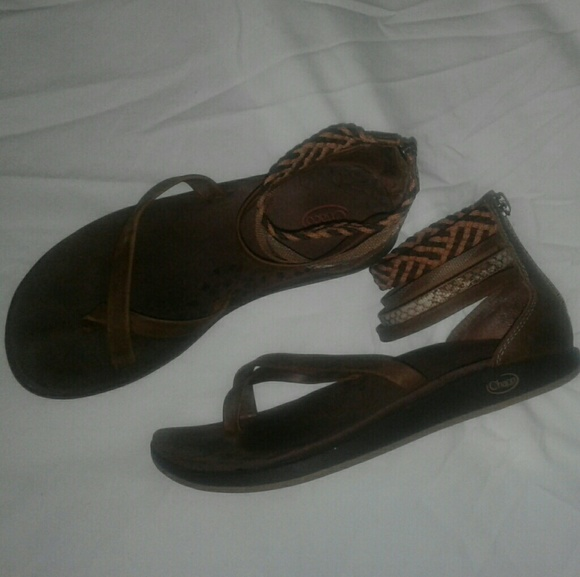80cc0e5acb67 Chaco Shoes - Women s Dawkins Chaco Leather Sandals. Size 7